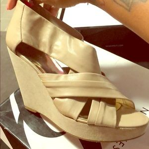 Nine West wedge sandals (Quickenr Deserto LE)